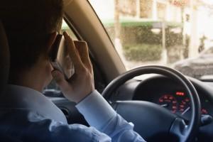 celular-no-transito-causa-13-milhao-de-acidentes-por-ano